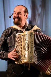 Il fisarmonicista Corrado Medioli