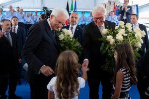 L'omaggio floreale ai due presidenti