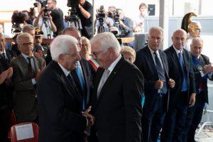Il saluto tra i due presidenti