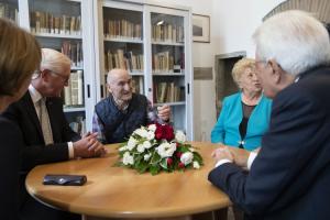 L'incontro dei due presidenti con i sopravvissuti delle stragi del 1944: Andrea Quartieri di Vinca, e Luisa Chinca di San Terenzo Monti