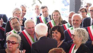 Mattarella saluta i sindaci della Lunigiana (foto Massimo Pasquali)