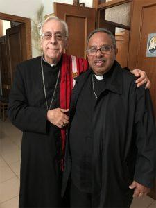 Il vescovo diocesano, mons. Giovanni Santucci, con il vescovo della diocesi indiana di Kohima, mons. James Thoppil
