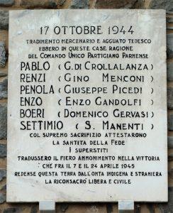 Bosco di Corniglio (PR): la lapide che ricorda i caduti nell'attacco tedesco al Comando Unico del 17 ottobre 1944