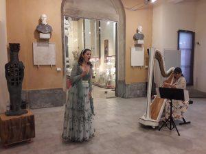 Un momento del concerto con il soprano Fabiola Formiga e l'arpista Veronica Pucci