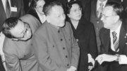 """Quando in Cina il compagno Deng disse  """"diventare ricchi è glorioso"""""""