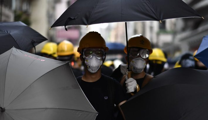 Hong Kong: ancora scontri tra polizia e studenti