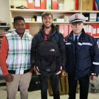 Villafranca: giovane migrante trova ipad e passaporti e li restituisce