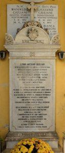 La tomba della famiglia di Manfredo Giuliani nel cimitero urbano di Pontremoli