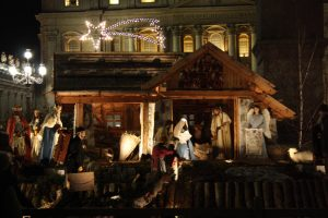 La raffigurazione della Natività allestita in Piazza San Pietro a Roma