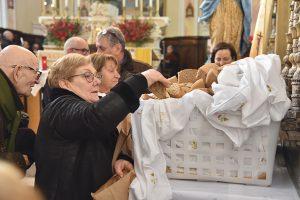 La consegna del pane benedetto