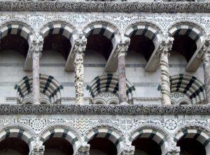 Cattedrale di Lucca: particolare della facciata