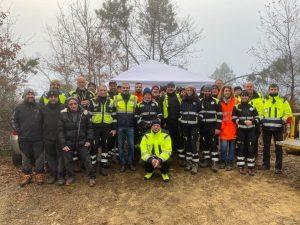Il gruppo di Unità Cinofile che ha svolto l'esercitazione a Podenzana