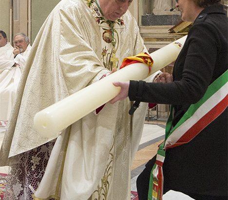 """Mons. Silvani al pontificale di San Geminiano, """"I valori cristiani si difendono con una vita di fede"""""""