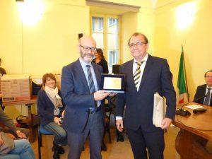 La consegna della Civica Benemerenza ad Aldino Albertelli