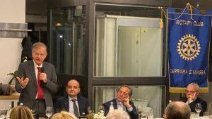 L'intervento di Valdo Spini durante il convegno del Rotary di Massa e Carrara