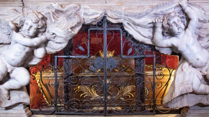 L'altare reliquiario dei Corpi Santi a Virgoletta