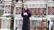 La preghiera del vescovo Giovanni al SS. Crocifisso in Cattedrale