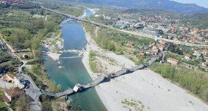 Un immagine dall'alto dell'area del ponte crollato