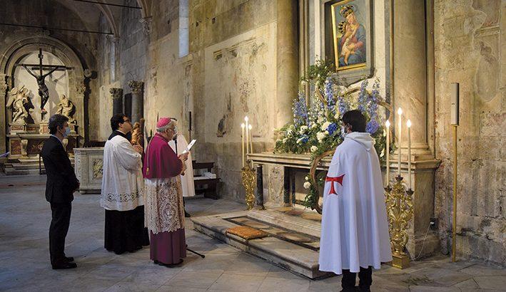 """L'affidamento della Diocesi a Maria: """"ti chiediamo la liberazione dal male"""""""