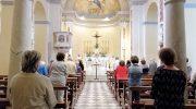 Di nuovo in chiesa  tra commozione e gioia
