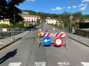 Il ponte Zambeccari chiuso, visto da piazza San Francesco