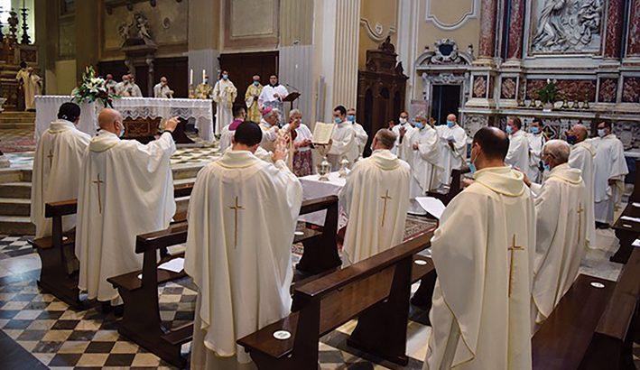 """Messa Crismale, """"vera festa del sacerdozio ministeriale"""""""