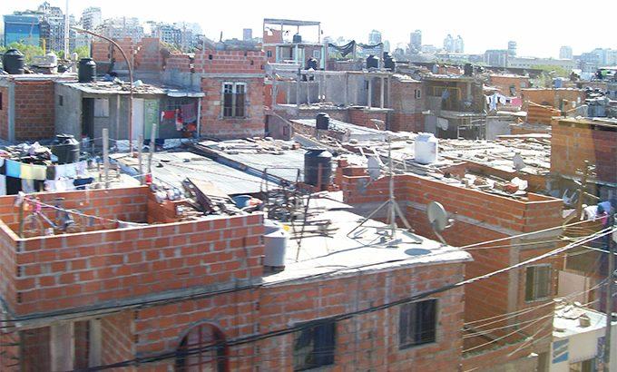 """L' Argentina si affida ai """"preti di strada"""""""