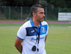 Il dimissionario allenatore della Pontremolese, Riccardo Bracaloni.