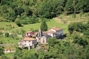 Panorama di Cavezzana Gordana vista dalla strada che scende dalla Valunga