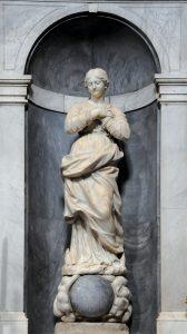 Nella chiesa parrocchiale la statua in marmo bianco e bardiglio della Madonna Immacolata (1707)