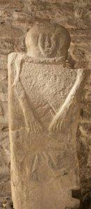 La statua stele Sorano V trovata durante i lavori di ristrutturazione della Pieve