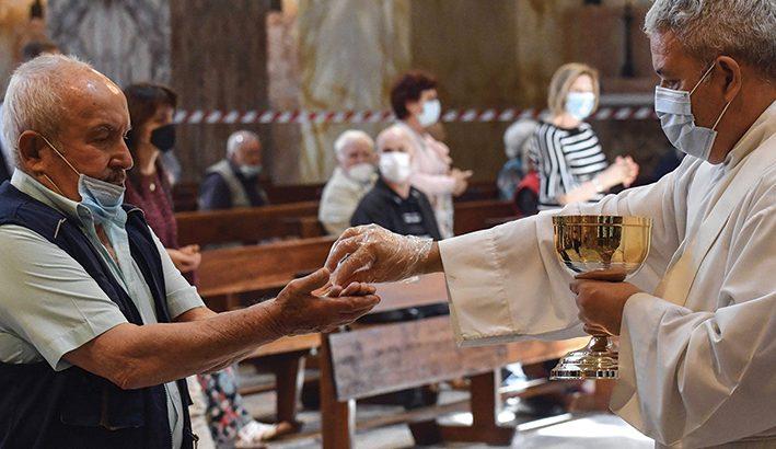 Nella Chiesa le parrocchie devono trasformarsi per continuare ad evangelizzare