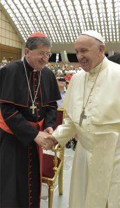 Il card. Giuseppe Betori, arcivescovo di Firenze e presidente della Conferenza Episcopale Toscana. Qui con Papa Francesco.