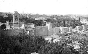 La breccia aperta nelle mura Aureliane poco a monte di Porta Pia
