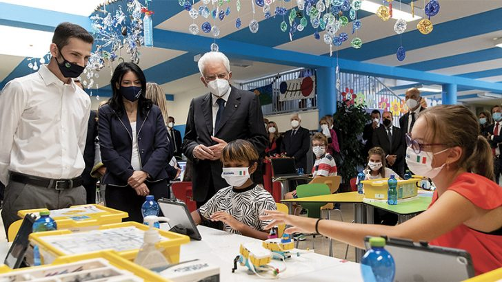 """""""Scuola sfida decisiva per la ripartenza del Paese"""""""