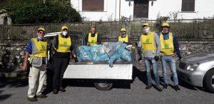 """I volontari per l'iniziativa di Legambiente """"Puliamo il mondo"""" in azione a Bagnone"""