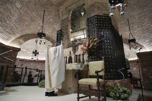 38Encliclica_Fratelli_Tutti_Papa_Assisi1