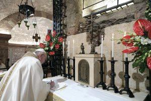 """Assisi, 3 ottobre. Il Papa firma l'Enciclica """"Fratelli tutti"""" alla tomba di San Francesco"""