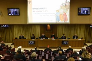 La conferenza stampa di presentazione della nuova enciclica del Papa