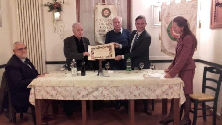 """A don Roberto Turini il premio """"Giovanni Nuvoletti"""""""