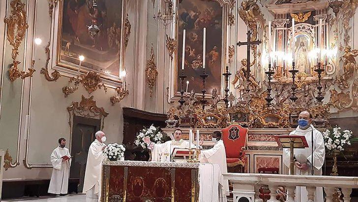 La prima messa di don Luca Signanini nel duomo di Pontremoli