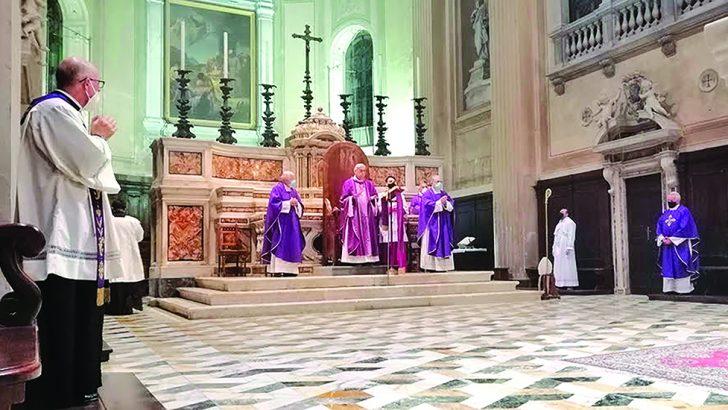 Il Vescovo Giovanni ha celebrato in cattedrale la Messa per i defunti