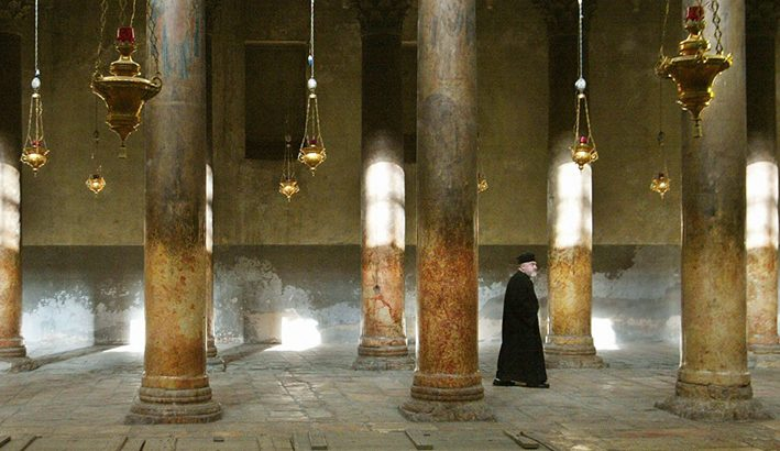 Natale a Betlemme: la messa di mezzanotte sarà  senza fedeli