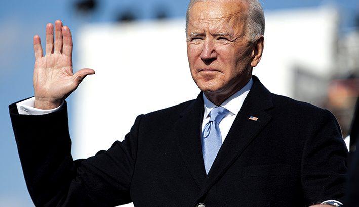 """La promessa di Biden: """"Unire l'America, battere l'odio"""""""