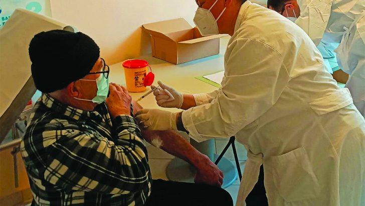 Iniziata la vaccinazione degli ultra 80enni