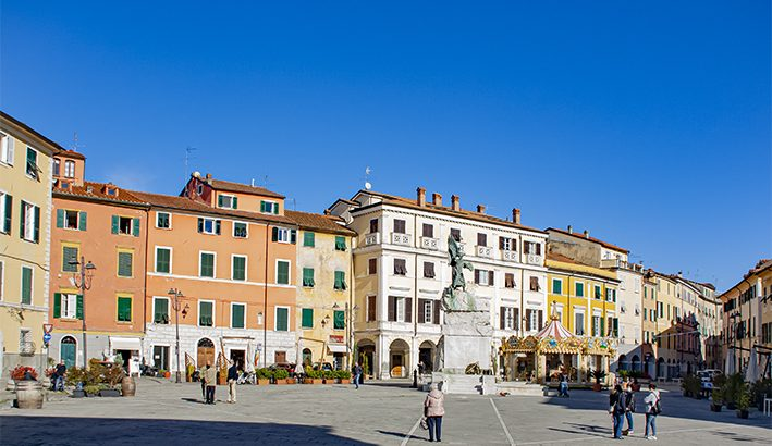 Piazza della  Calcandola a Sarzana