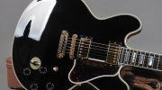 La rivoluzione non violenta della chitarra elettrica