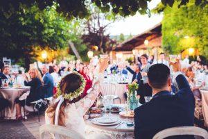 Scena d'archivio di un banchetto di matrimonio