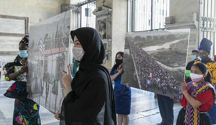 """Giornata del Rifugiato: quel mondo di """"invisibili"""" relegati in campi di """"accoglienza"""""""