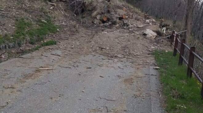 Ancora frane sulle strade provinciali: interrotta la SP 75 a Comano